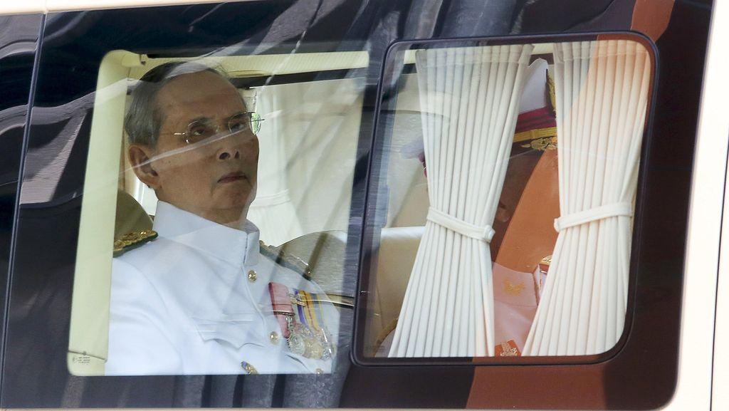 3 Bulan di RS, Raja Thailand Derita Infeksi Darah dan Radang Paru-Paru