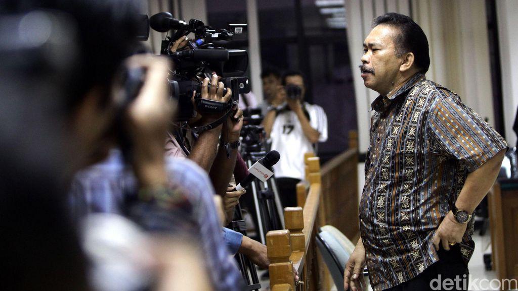 Kasus Suap Ketua MK Akil Mochtar, Hak Politik Bonaran Dicabut
