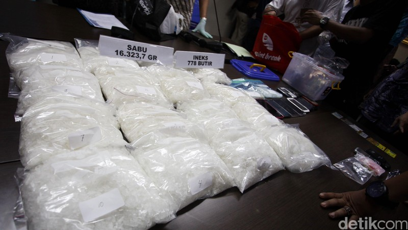 Hidup Manajer di Bekasi Lulusan S2 Ini Hancur karena 3,5 Kg Narkoba