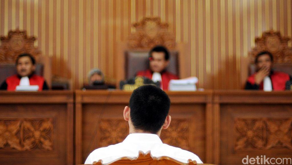 Korupsi Proyek PLTA, Dirut PT KPIJ Dihukum 5 Tahun Penjara