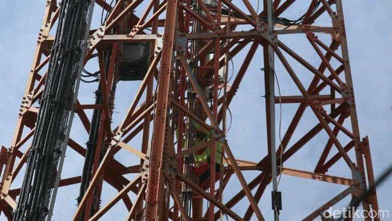 2015, Satpol PP Segel dan Matikan Listrik 48 Tower Seluler Tak Berizin