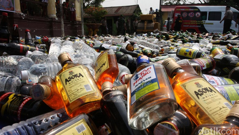 Tenggak Miras Oplosan di Yogyakarta, 13 Orang Tewas