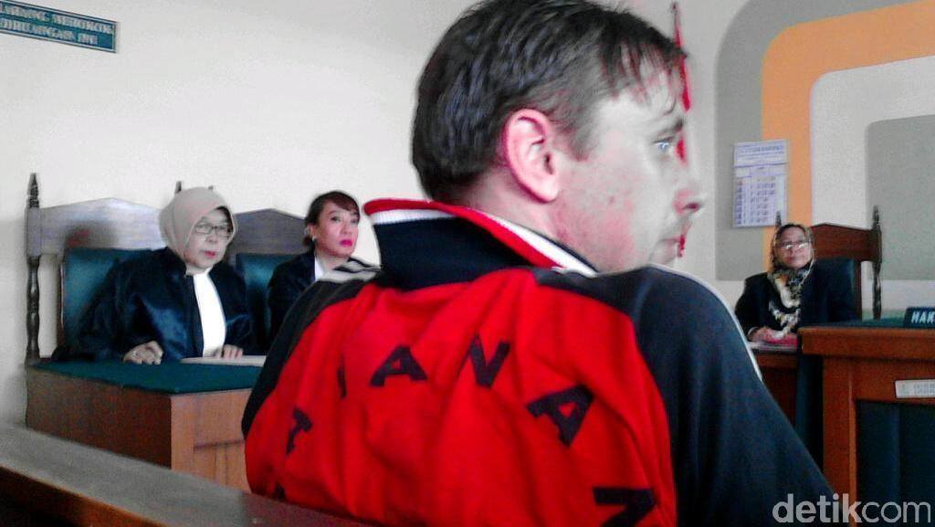 Di Medan, WN Lithuania Pembawa 3,2 Kg Sabu Kembali Lolos dari Vonis Mati