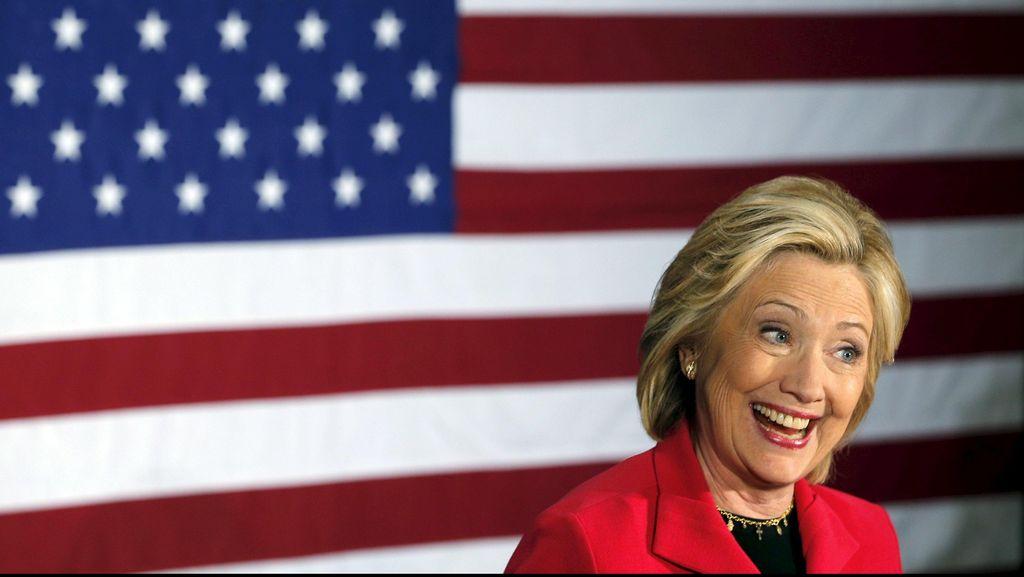 Hillary Clinton akan Cuti Kampanye Hadiri Pemakaman Nancy Reagan