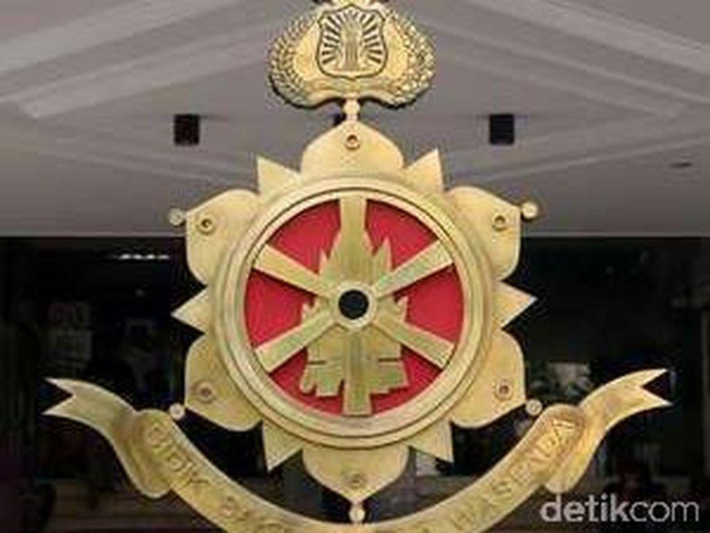 Bareskrim Geledah Kediaman AKBP Pentus yang Peras Bandar Narkoba di Bandung