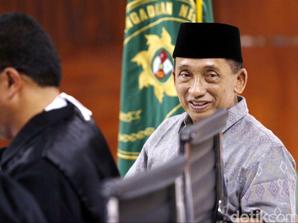 Tak Lagi Jabat Bupati Bangkalan, Fuad Amin Terima Duit Setoran Dinkes