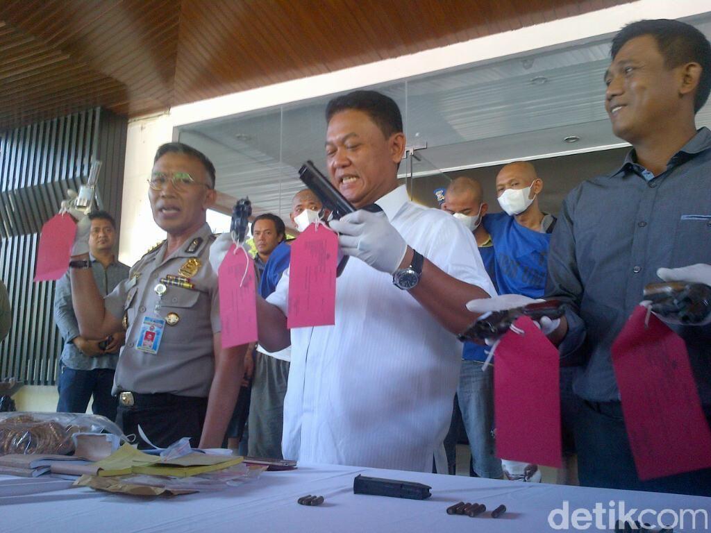 Bak Koboi, Perampok Sadis ini Umbar Peluru di Siang Bolong