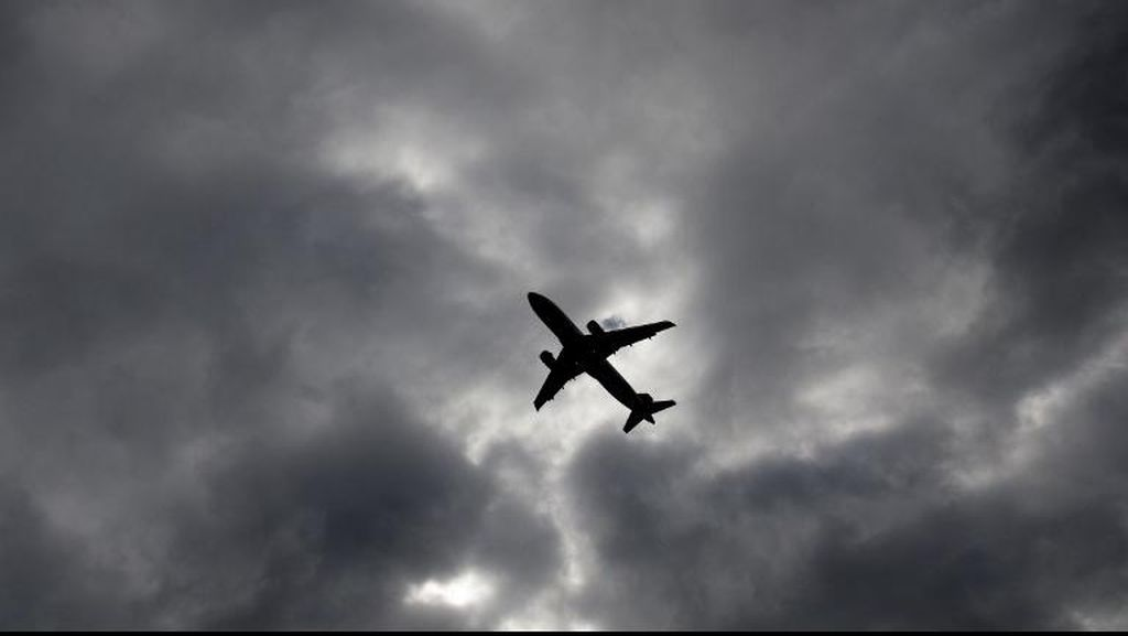 Terbangkan Drone Dekat Pesawat Lufthansa, Pria Polandia Ditangkap