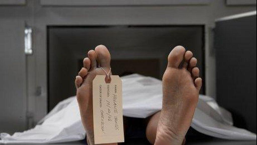 Mayat Waria dengan Luka Tusuk Ditemukan di Atas Jembatan di Cipayung