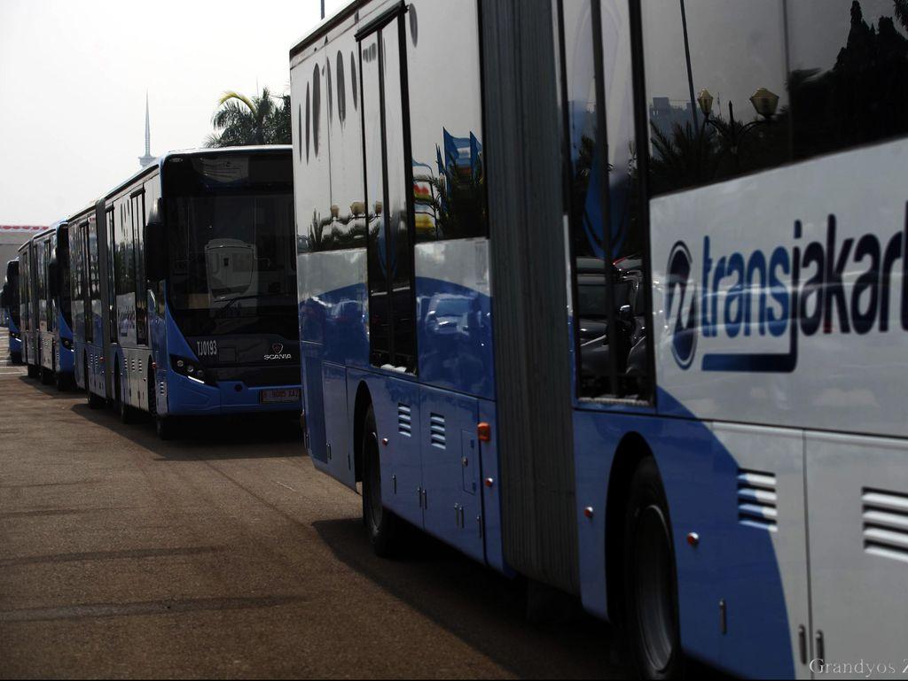 Ahok Fokus Tambah Bus untuk Cegah Pelecehan di TransJ
