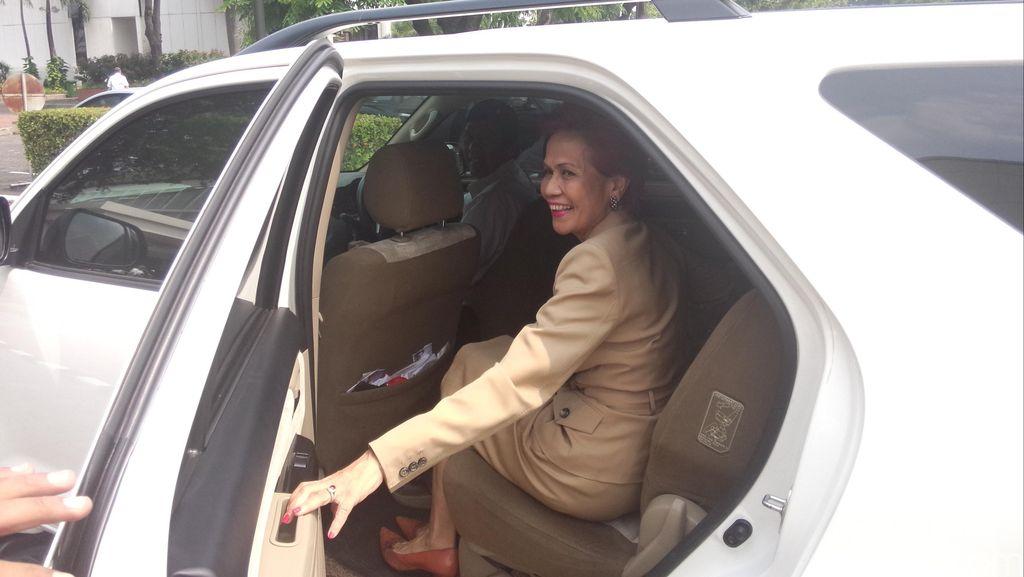 Terlihat Keluar dari Kompleks Istana, Miranda Gultom Ngaku Ketemu Teman