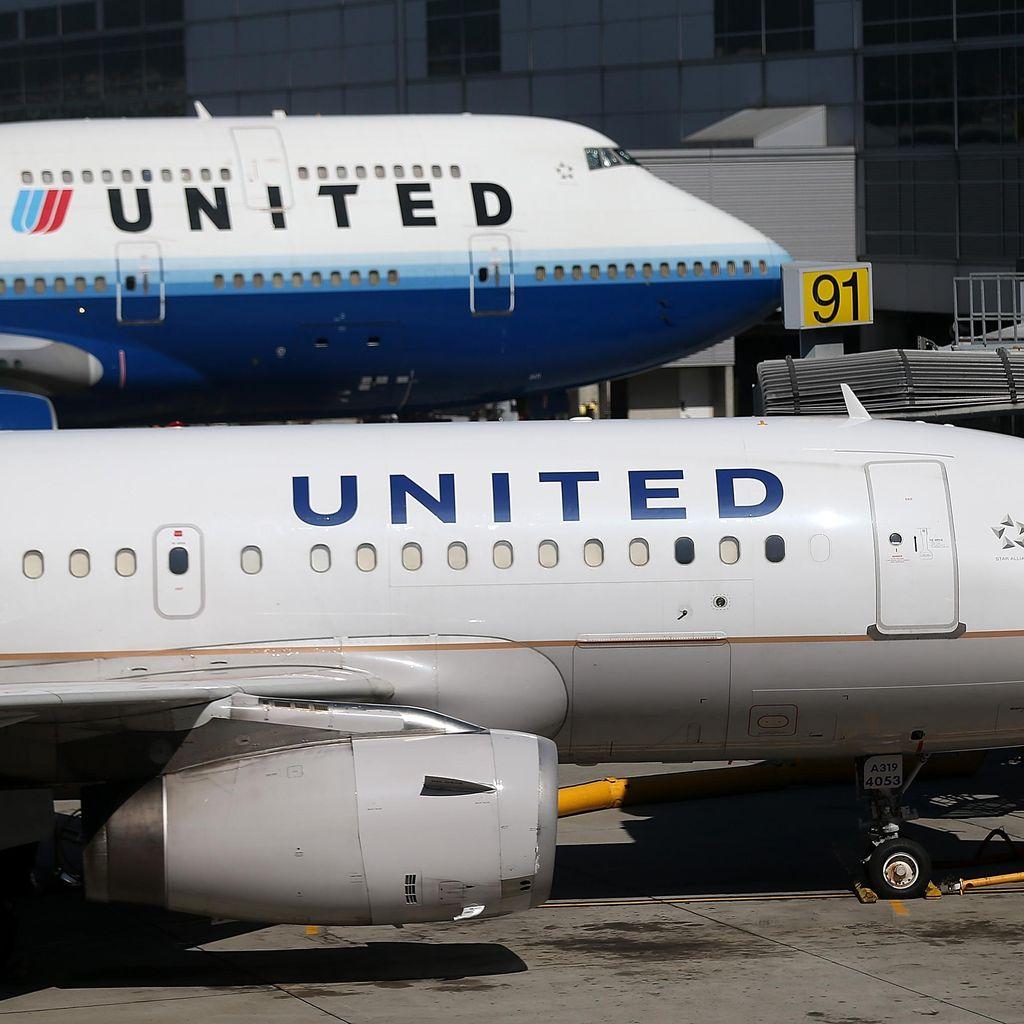 Kopilot Pingsan di Udara, Pesawat United Airlines Mendarat Darurat
