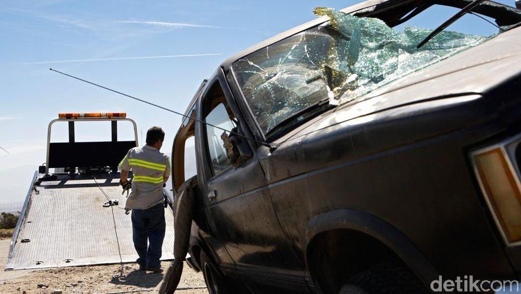 Kecelakaan 4 Kendaraan di Tol Priok KM 10, Lalin Menuju Cawang Padat