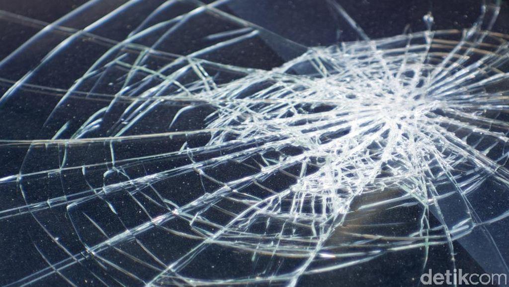 Kecelakaan 2 Truk di Km 46, Tol Jakarta Arah Cikampek Macet