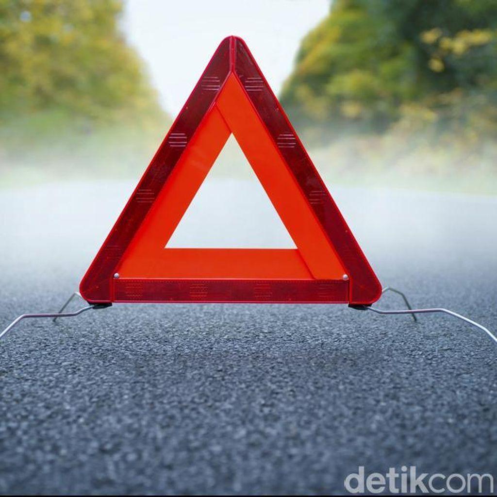 Honda Civic Kecelakaan di KM 31 Tol Lingkar Dalam, Lalin ke Bandara Soetta Macet