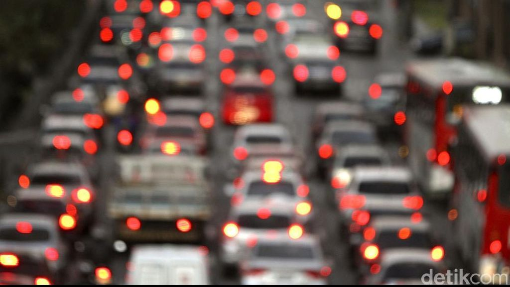 Kemacetan Hingga 15 Km Terjadi di Tol Dalam Kota dari arah Priok ke Cawang