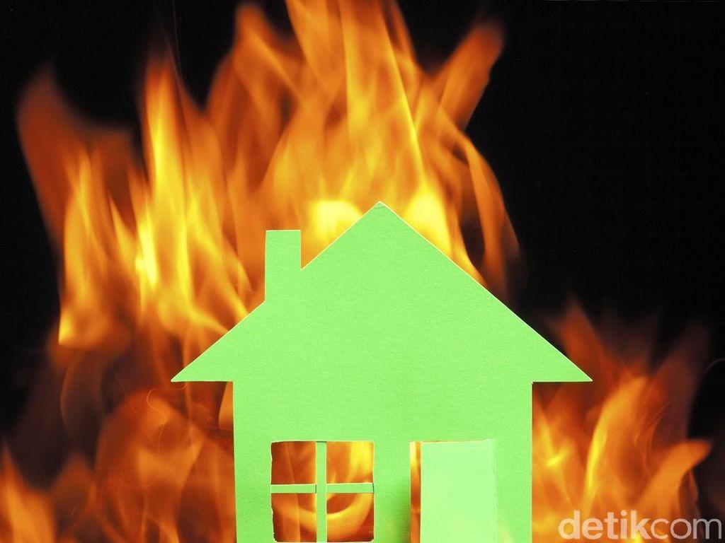 Satu Rumah Terbakar di Bukit Duri Diduga Terkait Tawuran