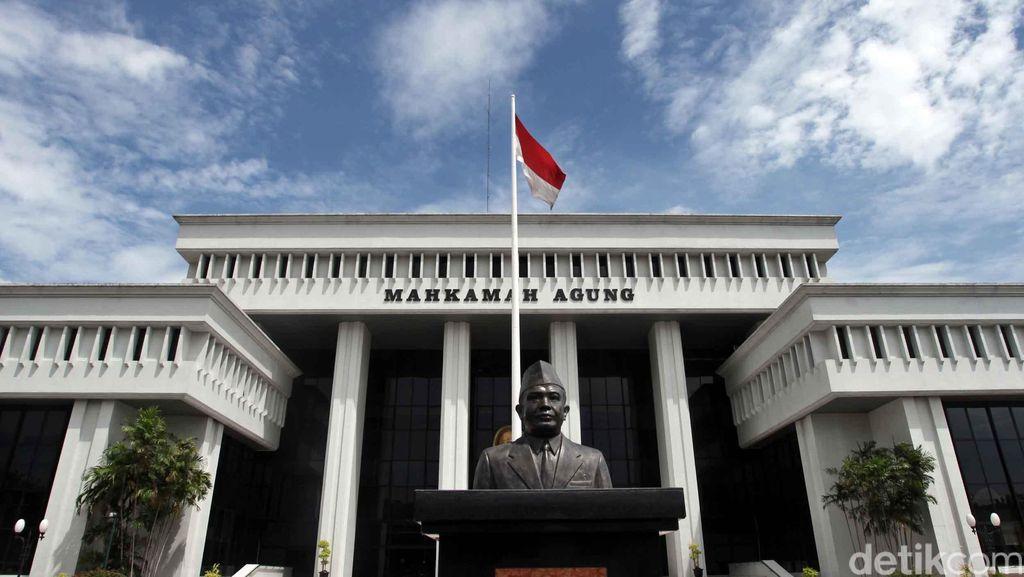 Sst...Hakim di MA Ini Tolak Pencabutan Hak Politik Gubernur Riau
