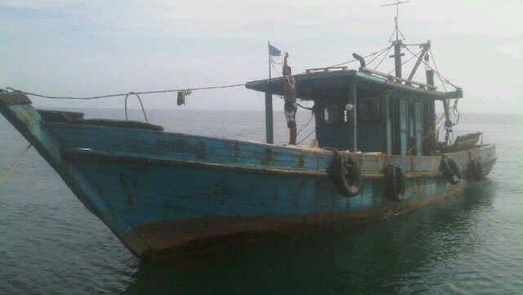 Ditpolair Polda Kaltim Tangkap 2 Kapal Ikan Malaysia
