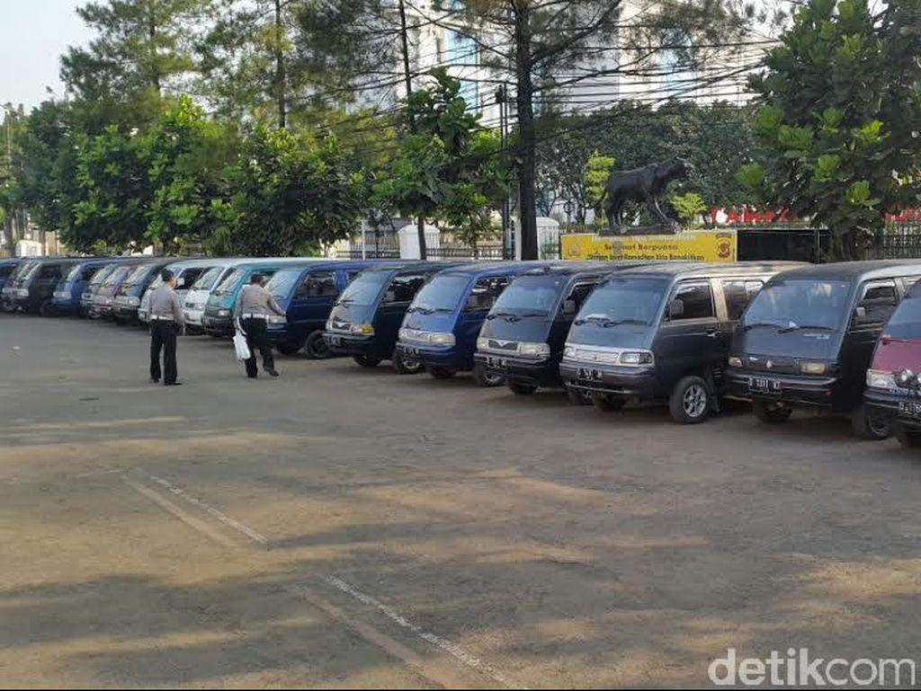 Polrestabes Bandung Tangkap 20 Mobil Preman