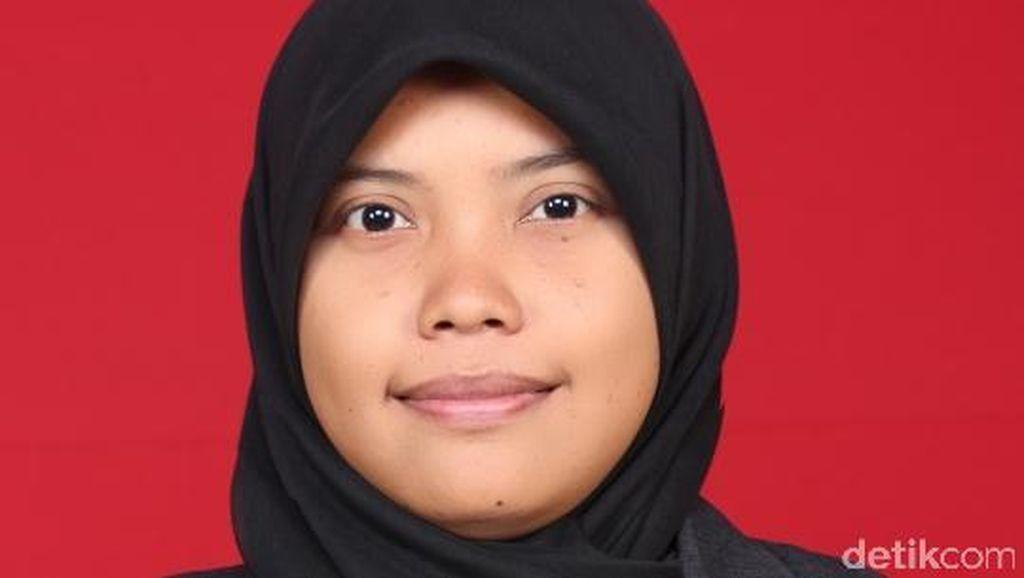 Siti, Anak Kuli Bangunan yang Jadi Lulusan Terbaik Unsoed
