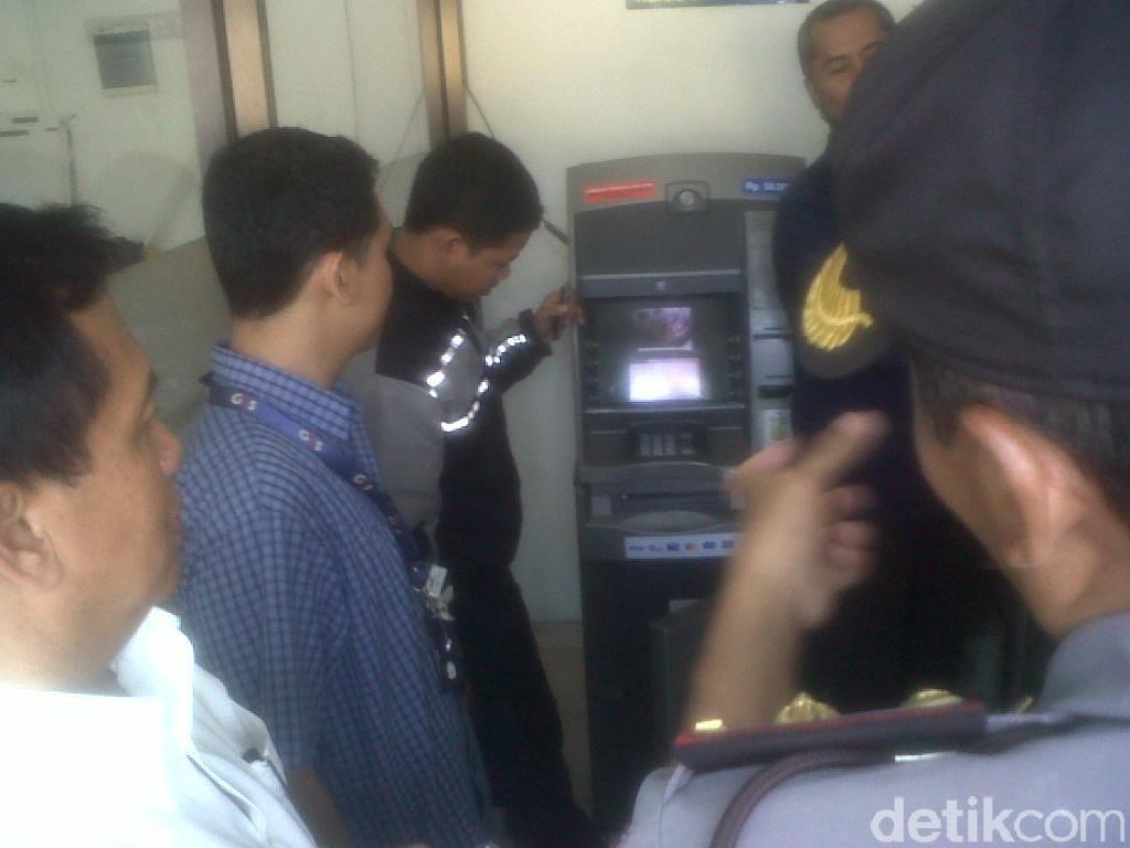 Todongkan Pistol ke Satpam, Komplotan Bandit Rampok ATM di Riau