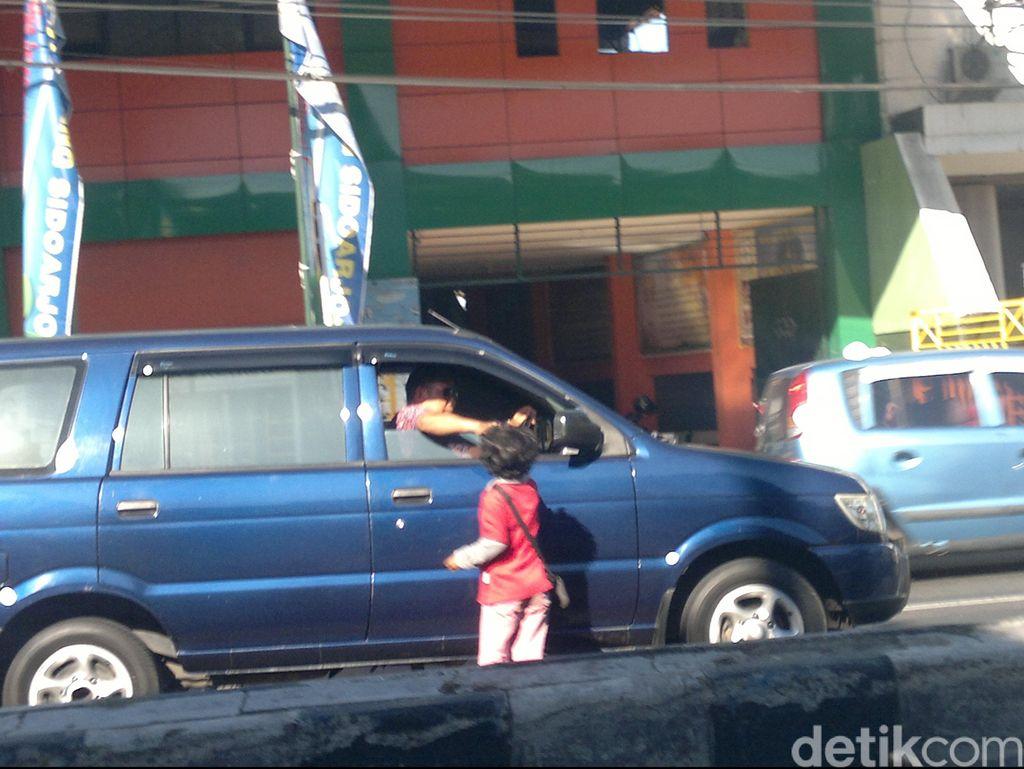 Pak Bupati, Masih Banyak Pengemis di Jalanan Sidoarjo