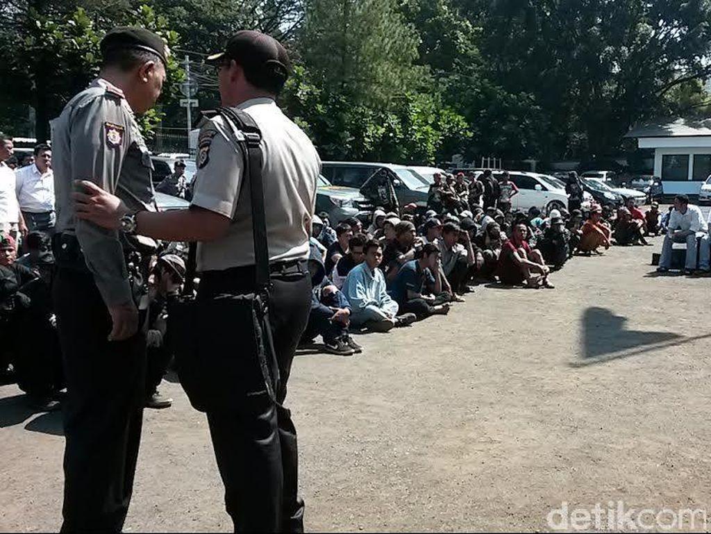Polrestabes Bandung Amankan 240 Preman Tukang Palak