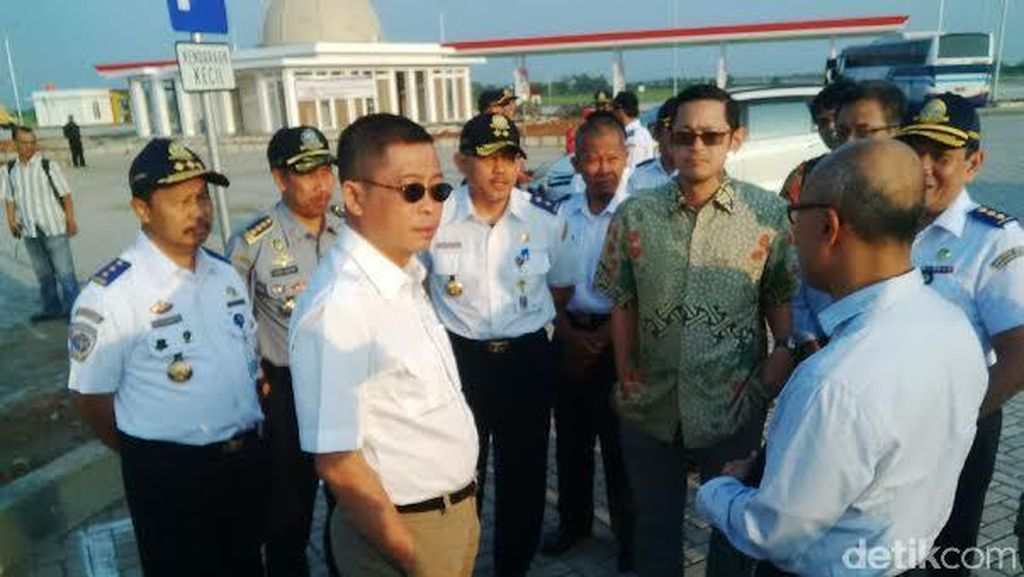 Menhub Jonan Minta Gerai Komersial di Bandara Penuhi Standar Keamanan