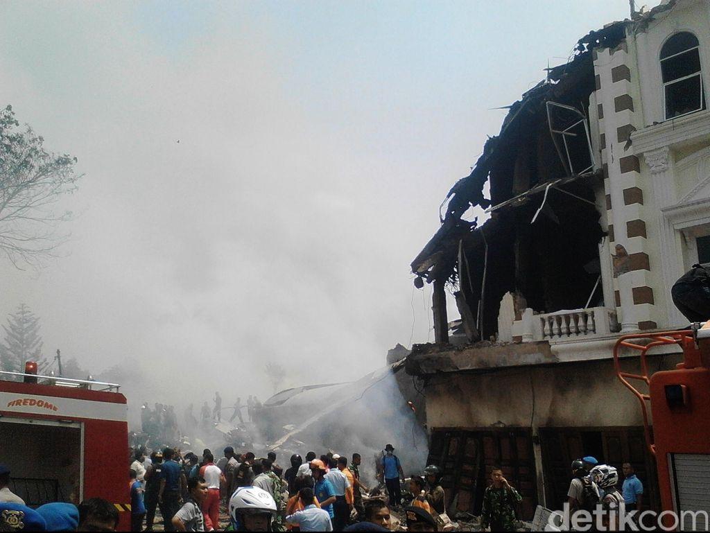49 Jenazah Dievakuasi di Lokasi Hercules Jatuh, 23 Sudah Dikenali