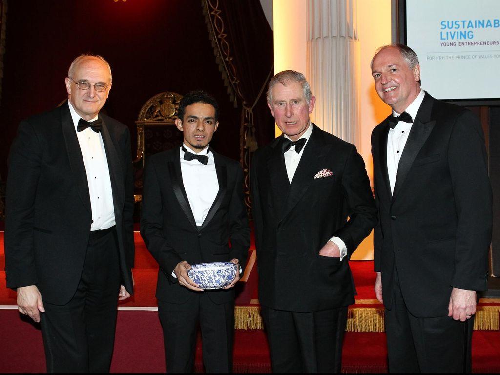 Asuransi Sampah Inspiratif Gamal Albinsaid Panen Penghargaan Kelas Dunia