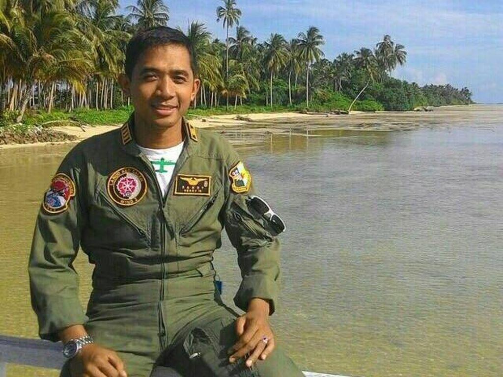 Sandy Permana, Pilot Hercules Jatuh Ketua Senat dan Siswa Terbaik Sekkau