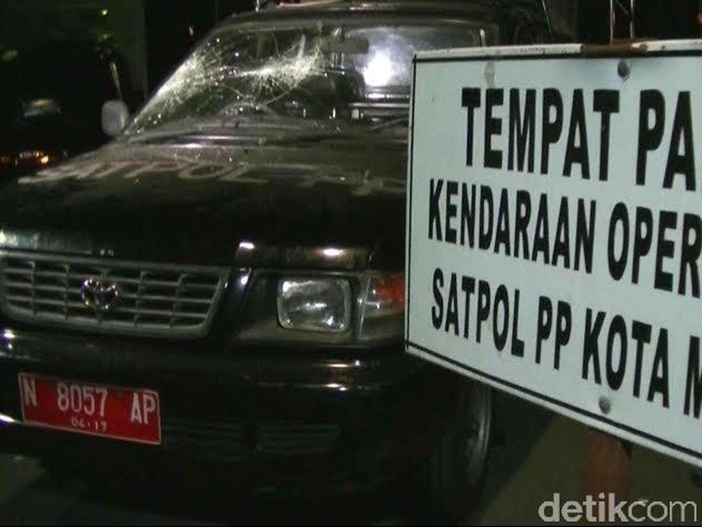 Enam Anggota Satpol PP Luka Saat Penertiban PKL di Malang