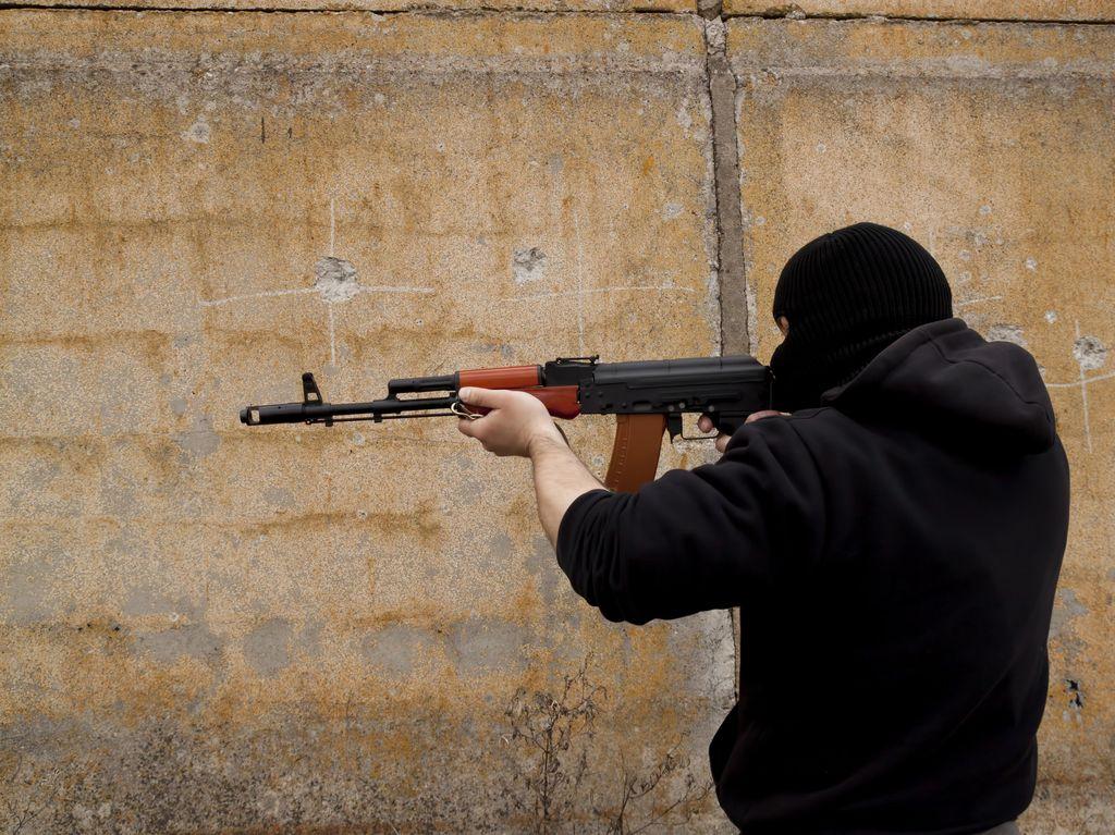 Pemberontak Suriah Eksekusi Mati 18 Anggota ISIS