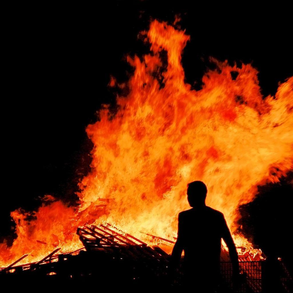 Kebakaran Akibat Korsleting Berhasil Dipadamkan di Restoran Manado Cikini