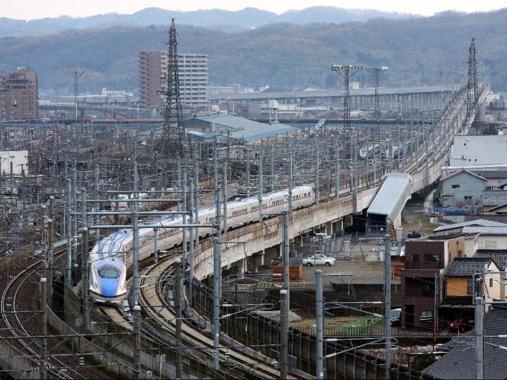 Kebakaran di Atas Kereta Peluru Shinkansen, Diduga Upaya Bunuh Diri