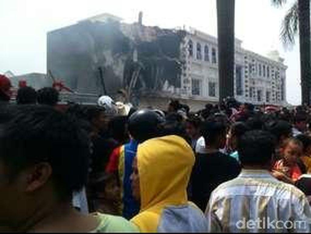 Begini Kondisi Hancurnya Ruko 2 Lantai yang Tertabrak Hercules di Medan