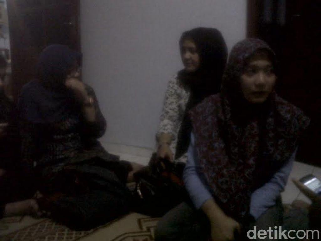 Keluarga Kopilot Lettu Pandu Setyawan di Yogyakarta Gelar Doa Keselamatan