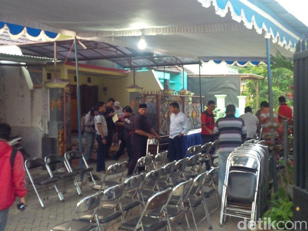 Kerabat Mulai Berdatangan ke Rumah Yahya Awak Hercules yang Jatuh di Medan