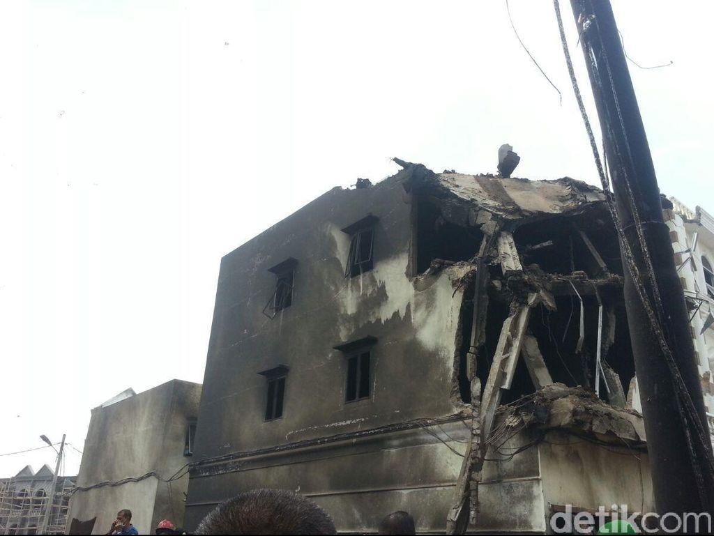 Alat Berat Terus Bergerak di Jl Djamin Ginting Evakuasi Hercules
