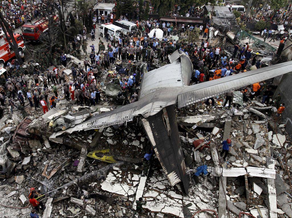 Ini Rute Lengkap Pesawat Hercules C-130 yang Jatuh di Medan