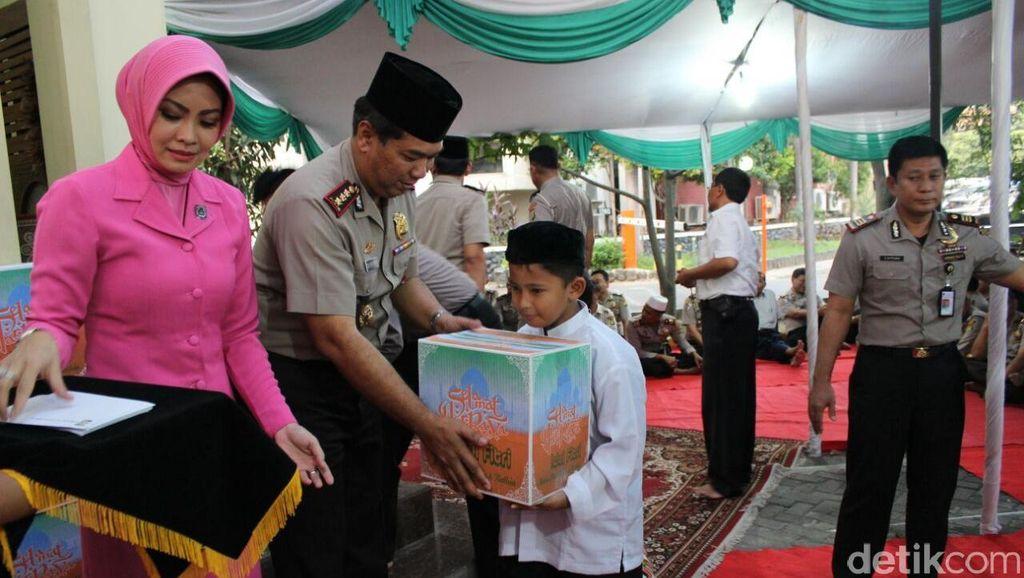 Syukuran HUT Bhayangkara, Polres Bandara Cengkareng Santuni Anak Yatim