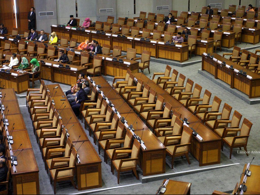 Benturan Kepentingan Politik Bikin Kinerja DPR Tak Optimal