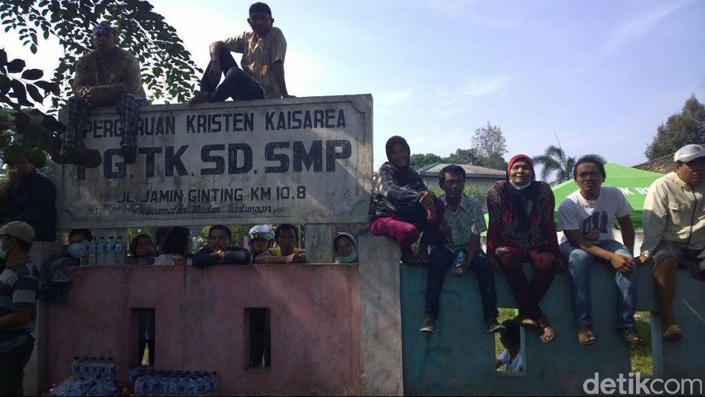 Warga Masih Berkerumun, Ingin Tonton Evakuasi Hercules Jatuh di Medan