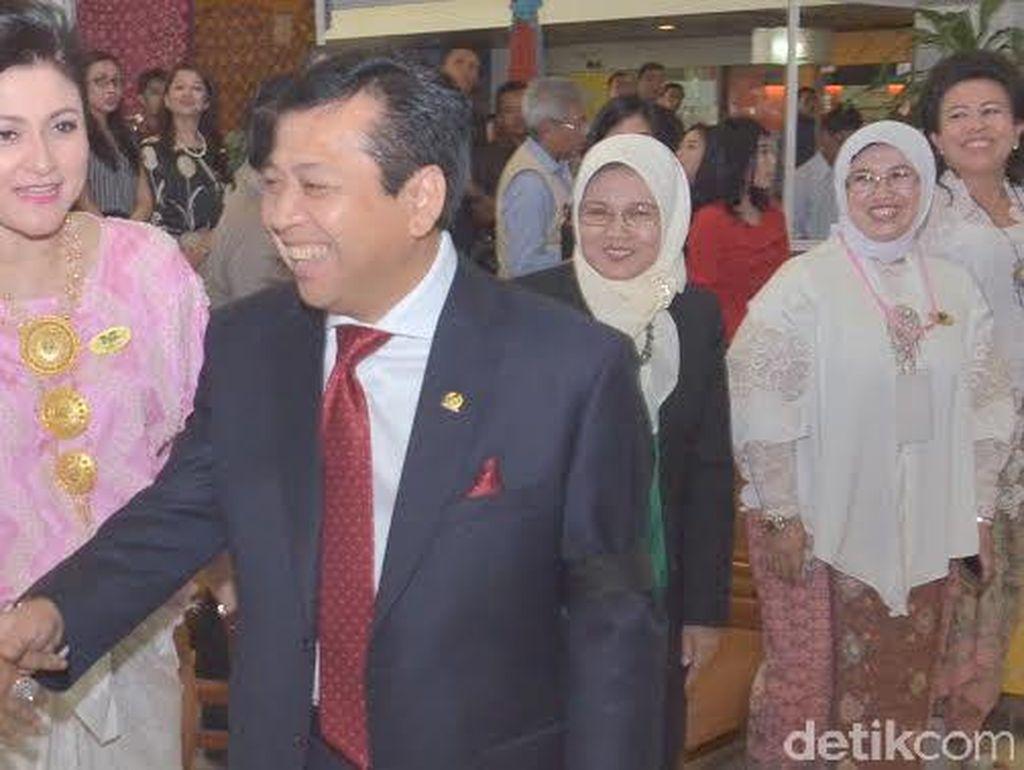Hercules Jatuh, Ketua DPR Kenakan Pita Hitam di Lengan Simbol Duka