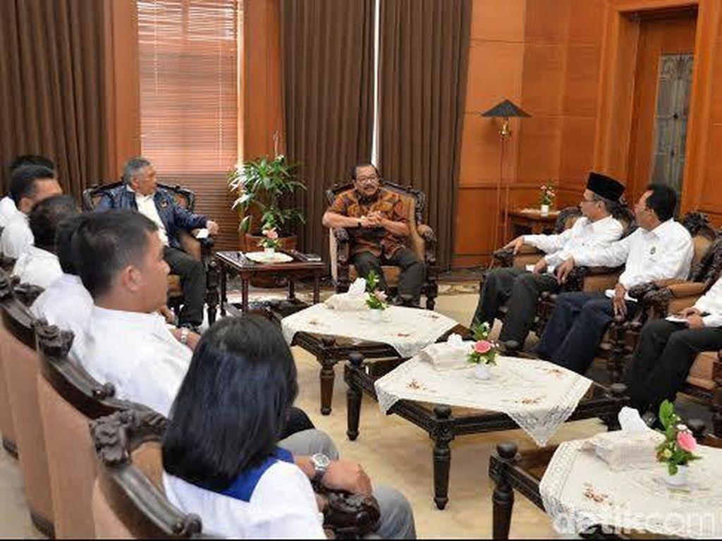 NasDem Silaturahmi ke Gubernur, Bahas Problem Masyarakat di Jatim