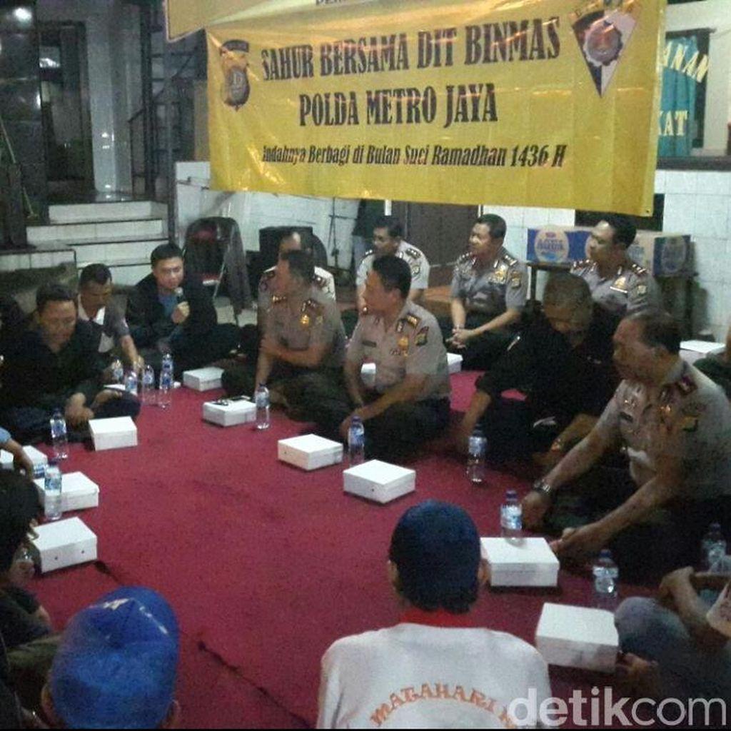 Sahur on The Road di Stasiun Jatinegara, Polisi Serukan Jaga Kamtibmas
