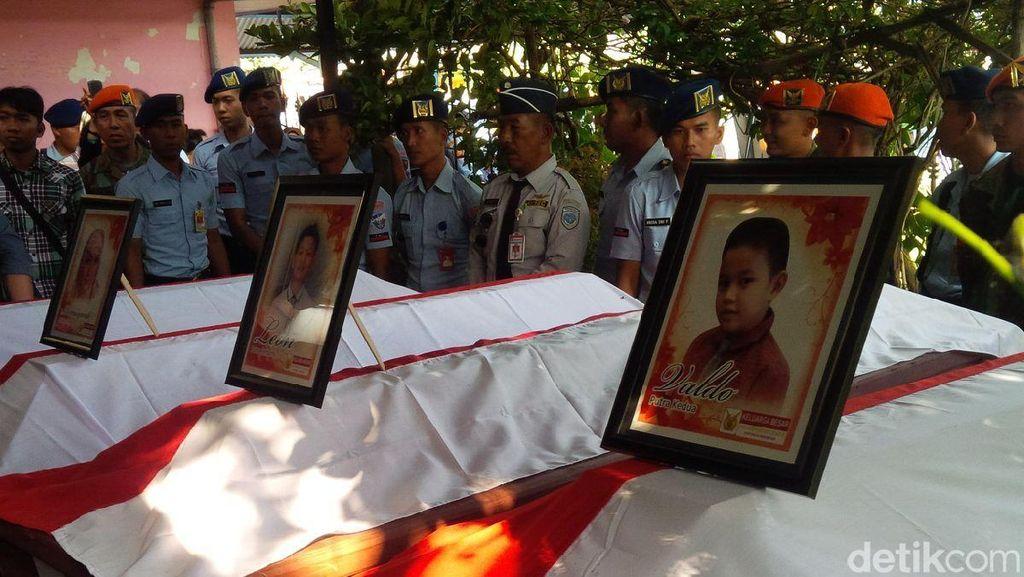 Buka Bersama TNI AL, Said Aqil Jadi Imam Salat Gaib untuk Korban Hercules