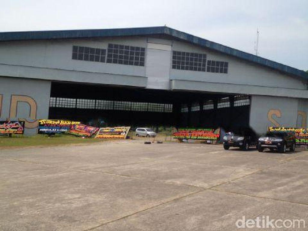 Lanud Soewondo Medan Disesaki Karangan Bunga Duka Cita, Ada dari Jokowi