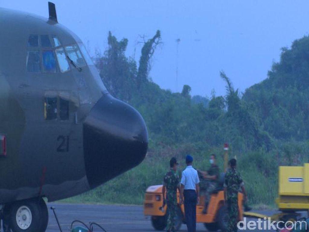 Ada Percikan Api, Hercules Batal Terbang Bawa 8 Jenazah Korban